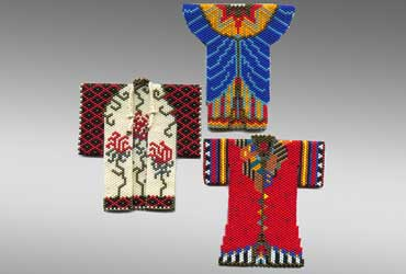 Sharmini Wirasekara miniture bead art robes. Artist